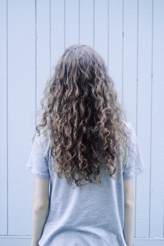 Daily Routine for Curly Hair: How I Fight Frizz and Achieve Defined Curls